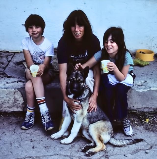 Kathy, kids and Joey, 1983