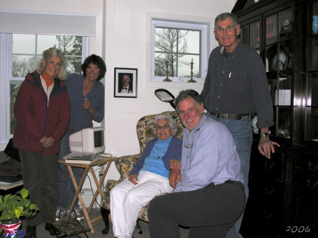 From left to right: Carol, Kathy, Mom, Steve, Joel