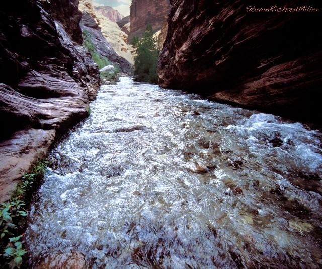 Tapeats Creek runs through the Shinumo Quartzite, upstream of Thunder River confluenece