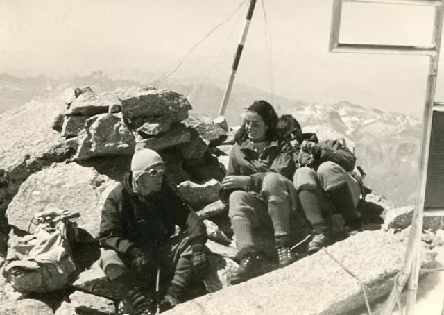 17.Summit Mt. B. de. Tacul
