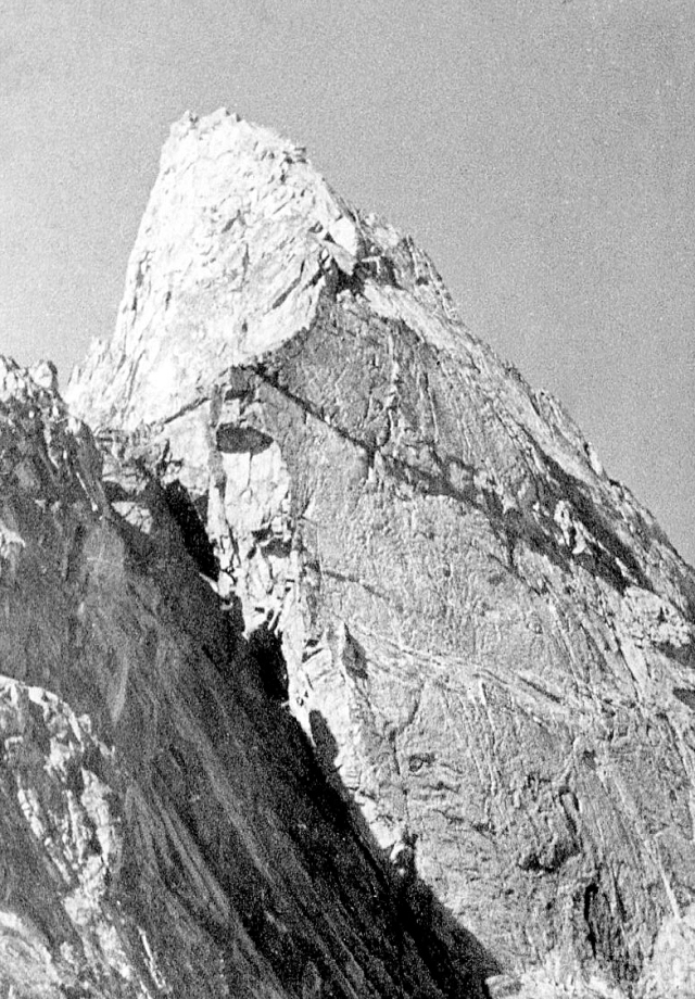 Aig.De La Dibona, with the slabs of the south face and the west face to the left