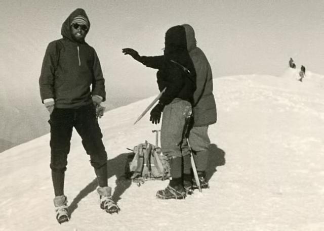 4. Summit-Me, Bernard&Eglantine