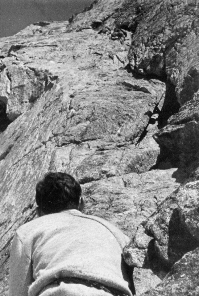 Two climbers in the dierdre, above