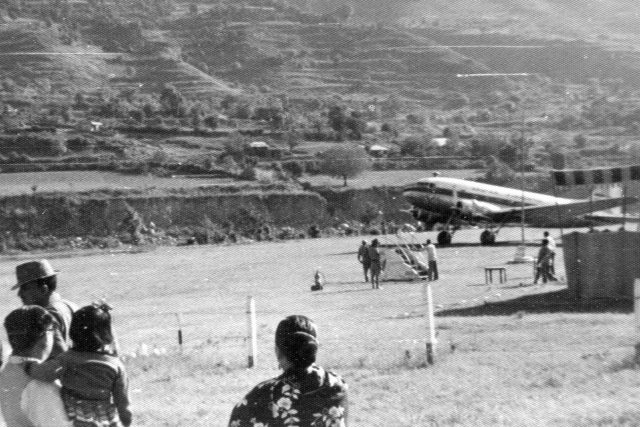 DC-3GrassStripKulu'63