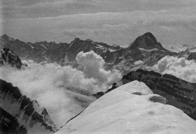 Rinderhorn, view from the summit to the east, of the Aletschhorn and the bigger mountains of the Bernese Overland