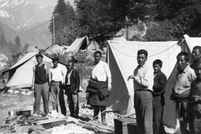 Tibetan refugees, Manali, September 1963
