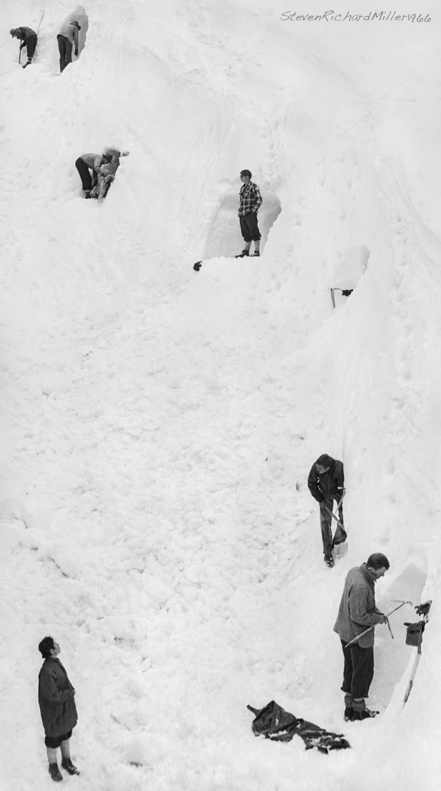 Digging ice caves, Lander Glacier