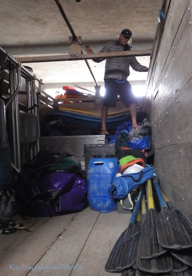 In Huaraz, Britt helps load the truck, Sept. 27