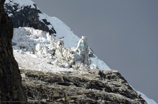 Chacraraju, east end glacial rubble