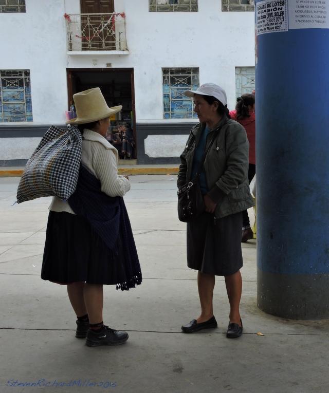 Women at the Mercado