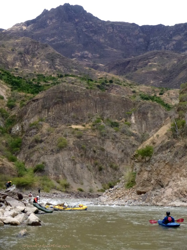 The river takes an 180° bend. At the lower end of the bend, we are looking up at Cerro Antibo, the summit of which is 8,070' (!) overhead.