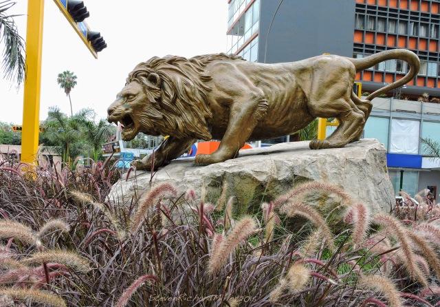 17. LionStatue Nov052015_7730