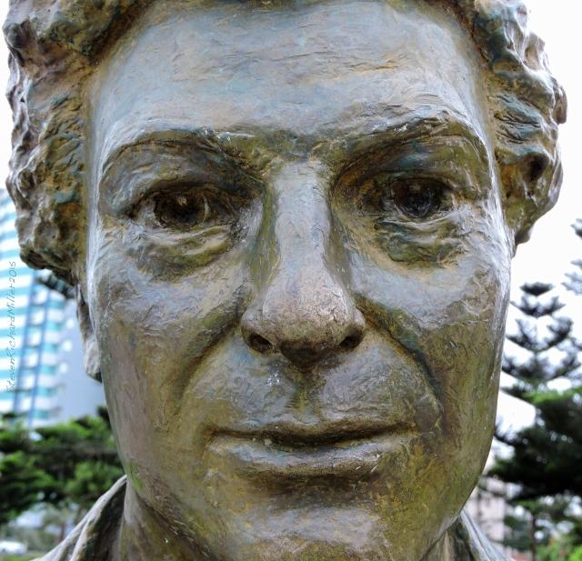 33. Statue Nov052015_7771