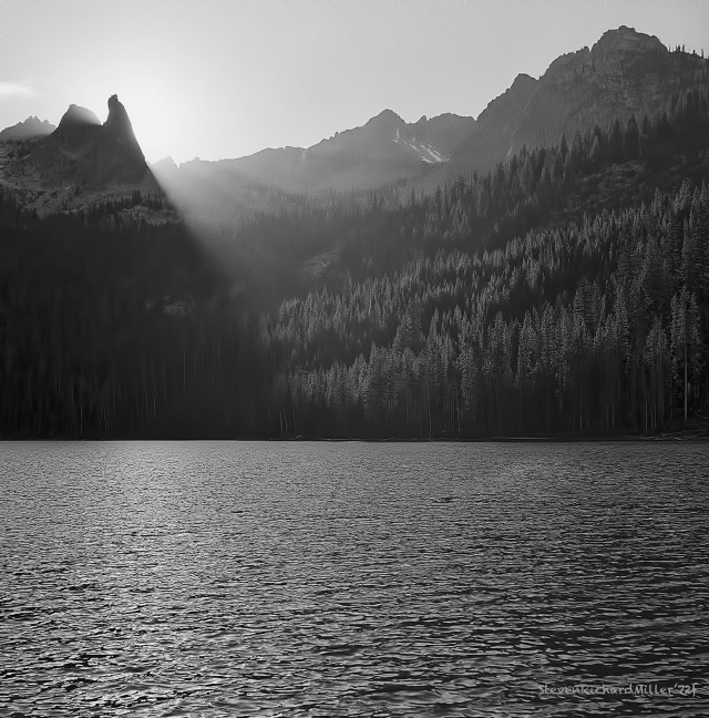 Hellroaring Lake and the Finger of Fate, in the Sawtooth Mountains, Idaho
