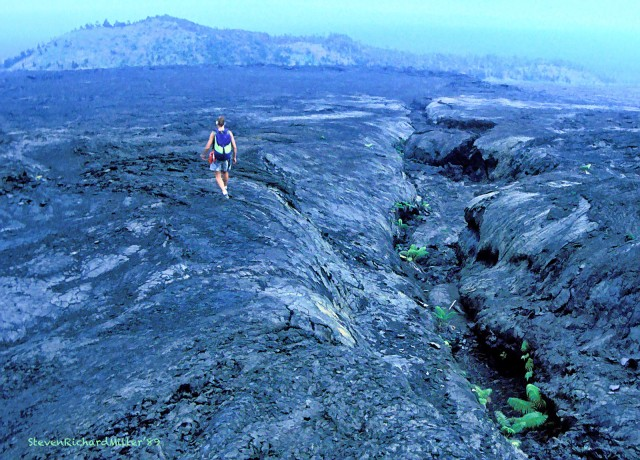 Returning downhill, looking towards Pu'u Huluhulu