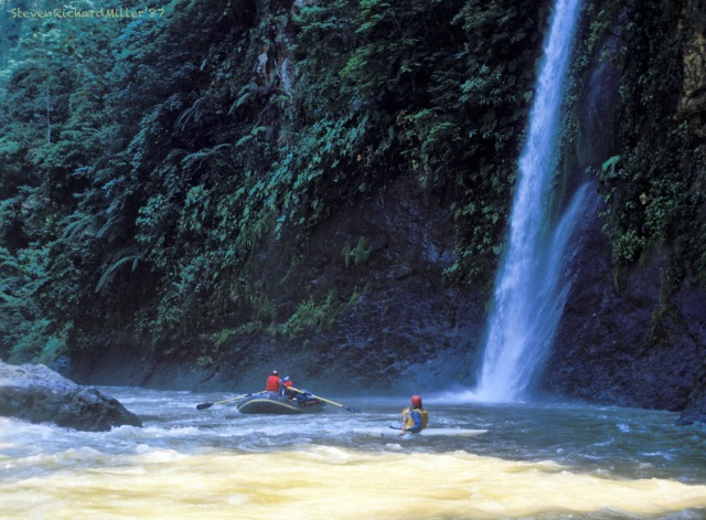 Rio Pacuare, waterfall between Upper and Lower Huacas rapids, 1987