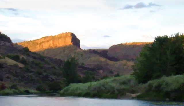 Upstream view of the mesa, that's defined by the Rio Grande on the left, and Taos Creek on the right