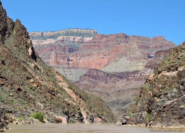 Downstream view to the Shinumo Amphitheater, where, once again due to faulting, we encounter the Grand Canyon Supergroup