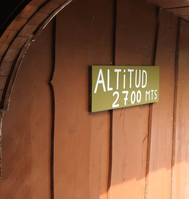 AltitudeSignDSCN5456