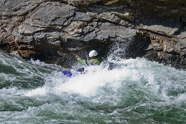 M.88.6U.CliffsideR.Kayaker900_3345.jpg