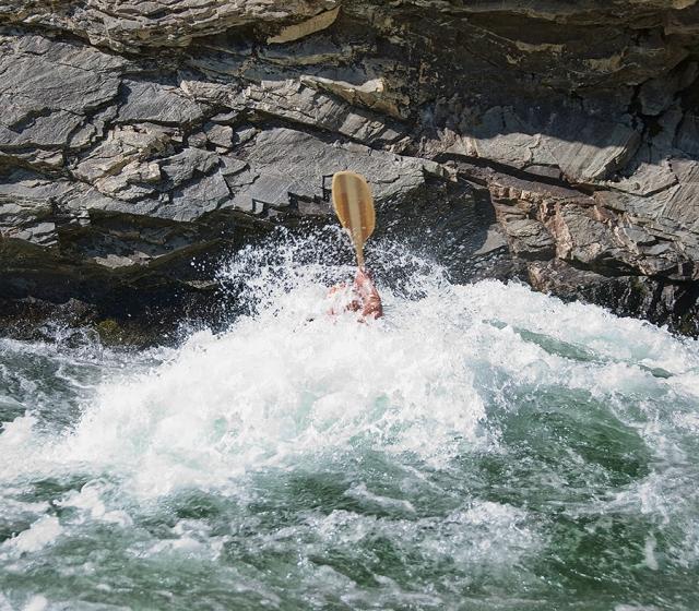 M.88.6U.CliffsideR.Kayaker900_3346.jpg